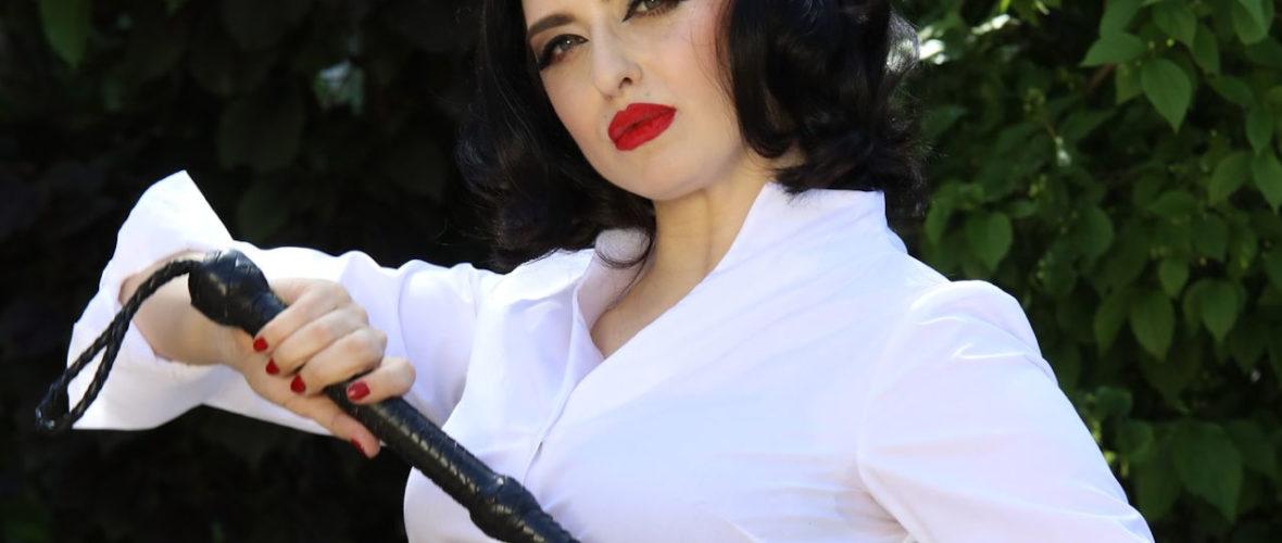 Mistress_Bella_Lugosi_Sissy_Manor_Mistress